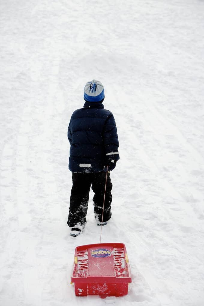 Snön ligger djup i många av Sveriges skidorter – men på andra håll är det sämre av den varan. Foto: MIKAEL SJÖBERG