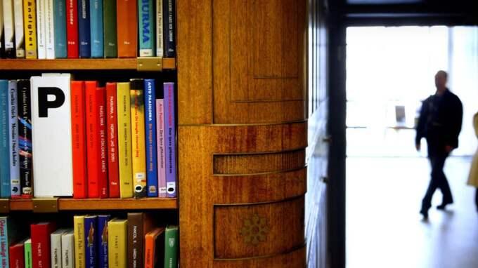 Samhället får inte acceptera att landets bibliotek förstörs. Det måste bli följdverkningar för dem som ägnar sig åt hot och vandalism. Foto: Johan Carlen