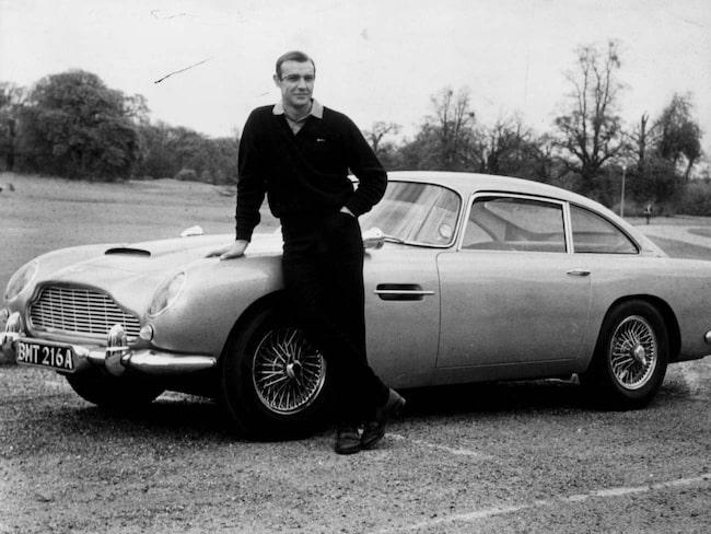 Goldfinger. Första gången DB5 var med satt Jean Connery bakom ratten.