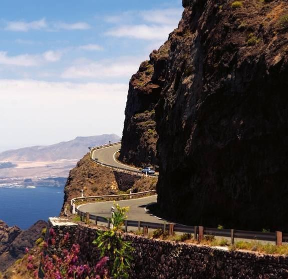 Dit turisterna inte nått – en tur upp i bergen och du får helt nya vyer med dig hem.