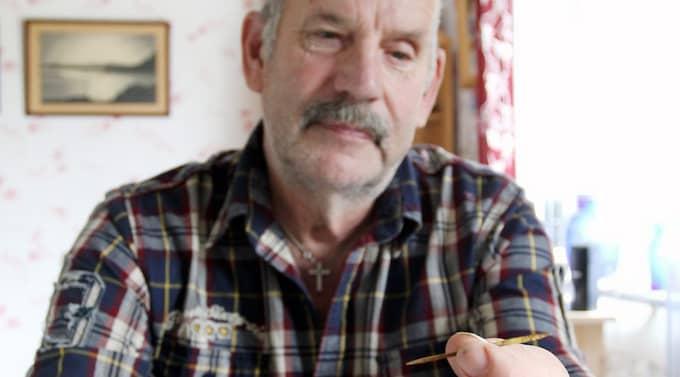 Ove Sohlberg hade tandpetaren i magen i 25 år. Nu är hans smärtor över. Foto: Gunilla Sjögren