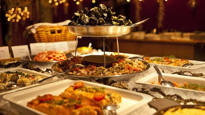 Julbordet på Hamnkrogen är Västkust-inspirerat. Foto: LISEBERG