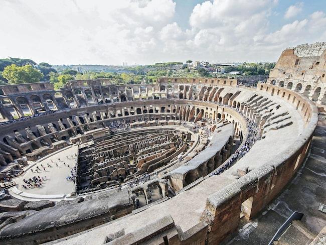 Det senaste 40 åren har dock de övre våningarna av arenan stått avstängda, men efter fem års omfattande renoveringar öppnas de nu för allmänheten igen.