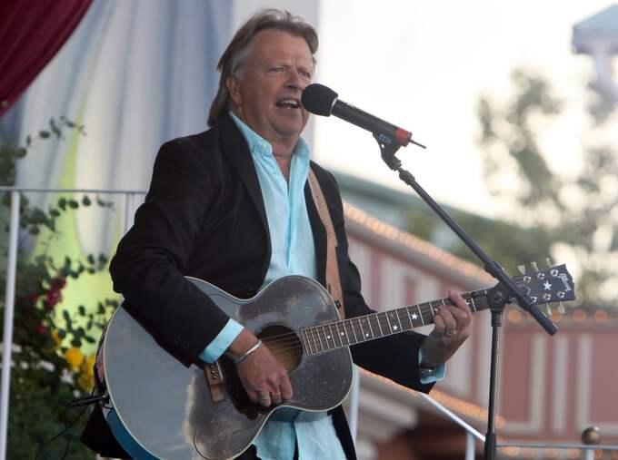 Populära bandets Sven-Ingvars frontfigur Sven-Erik Magnusson avled efter en tids sjukdon 22 mars, 74 år gammal. Foto: Tommy Holl / GT-EXPRESSEN