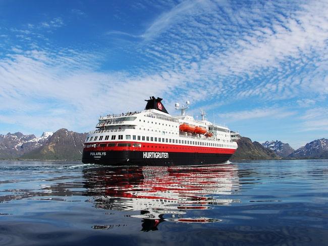 MS Polarlys är en av Hurtigrutens elva fartyg på sträckan.