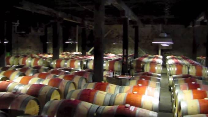 På den fashionabla vingården Hess Collection bjöds de kommunala bolagstopparna på vinprovning och guidad tur.
