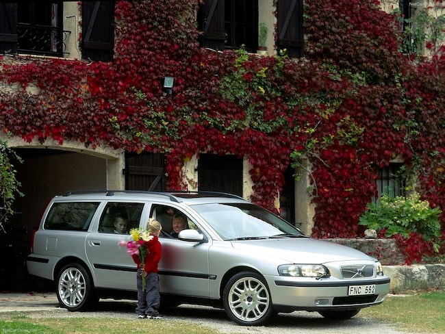 Andra generationens Volvo V70, från 2004.