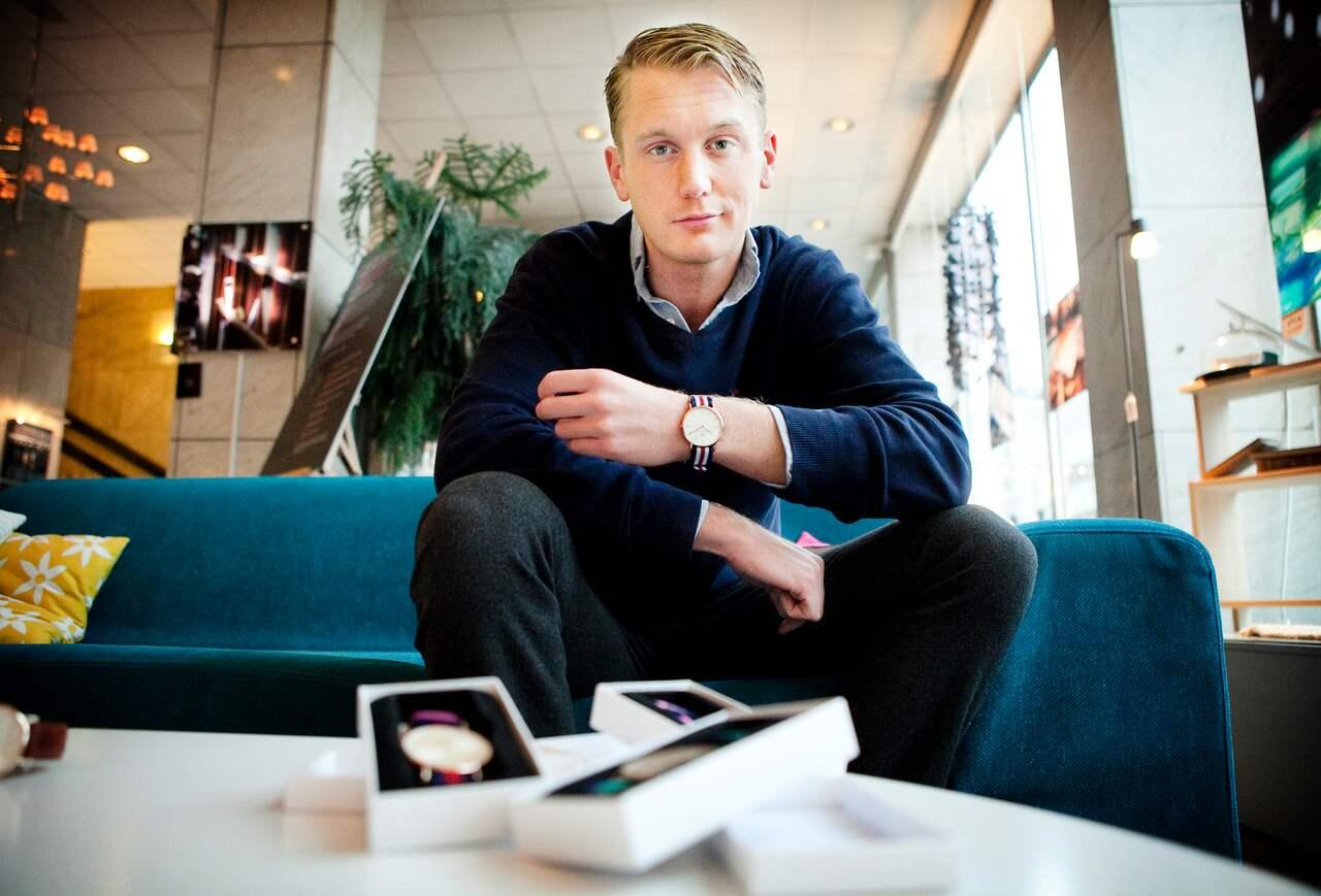 e95c812dc6e Året är 2011 och Filip Tysander visar upp sin nya klocksatsning.