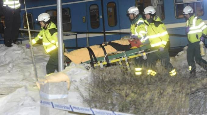 Den kvinnliga städerskan i 20-årsåldern skadades svårt i kraschen. Foto: Christian Örnberg