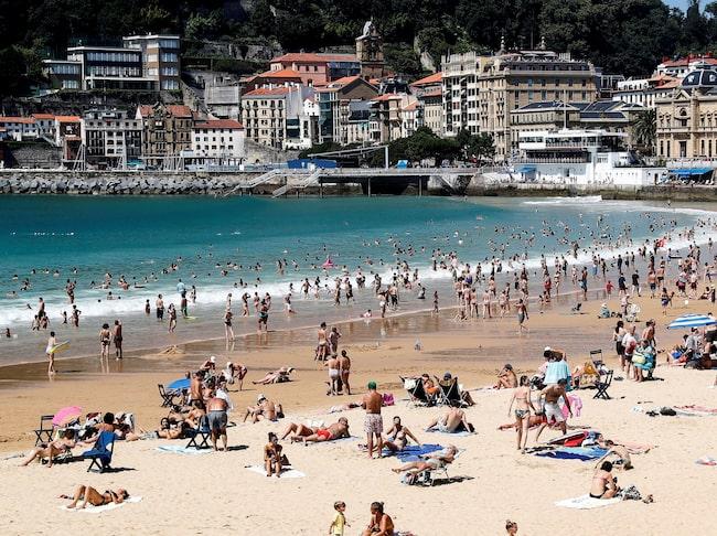 I helgen var det 30 grader på stranden i San Sebastian i norra Spanien.