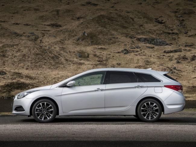 Enligt KVD Bilpriser har Hyundais kombi i40 lägst ägarkostnader bland stora kombibilar.