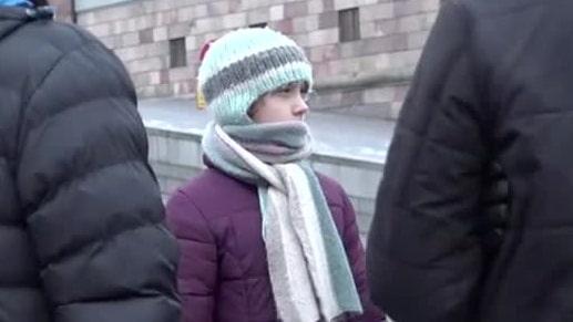 """Greta Thunberg strejkar vid Riksdagshuset: """"Borde inte vara normalt"""""""