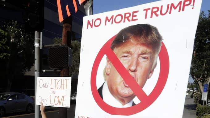 Kriken växer mot Donald Trump. Foto: MIKE NELSON / EPA / TT / EPA TT NYHETSBYRÅN