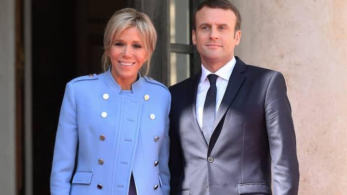 Brigitte Macron tillsammans med maken Emmanuel Macron. Foto: DAVID NIVIERE / POLARIS POLARIS IMAGES