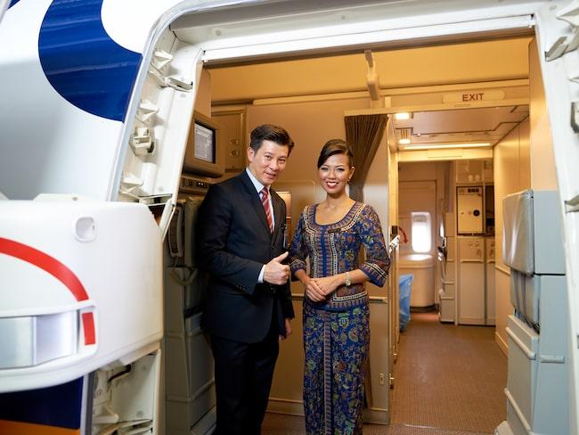 Singapore Airlines tappar förstaplatsen, men har bland annat världens bästa kabinpersonal, enligt Skytrax.