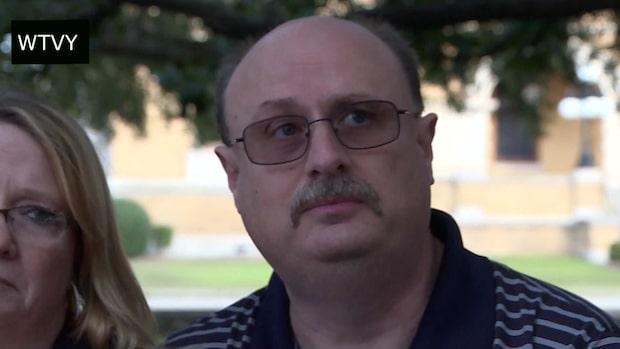 Skjutningen i Pensacola: Pappan till ett av offren uttalar sig