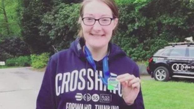 Julie joggade i 21 timmar – när hon var klar upptäckte hon de skrämmande skadorna