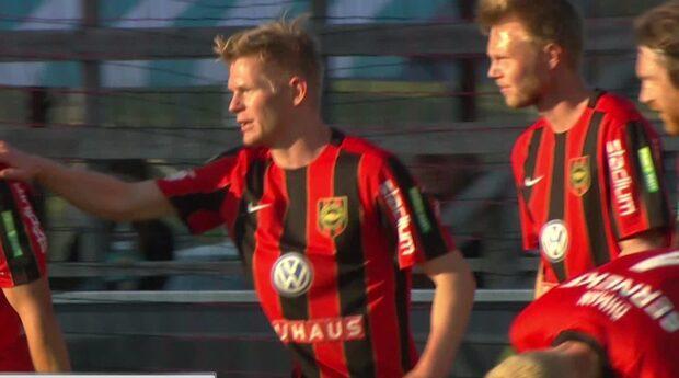 TV: Lurar KFF:s försvar – helt fri framför mål