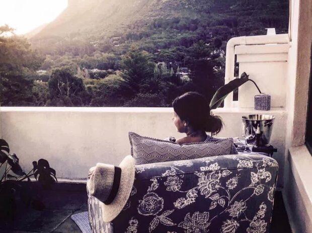 Första bilden inifrån Carolas hus i Sydafrika
