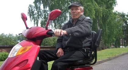 Stellan Nyström, 83, åtalas för rattfylleri för att ha kört permobil berusad. Foto: Jakob Kindesjö