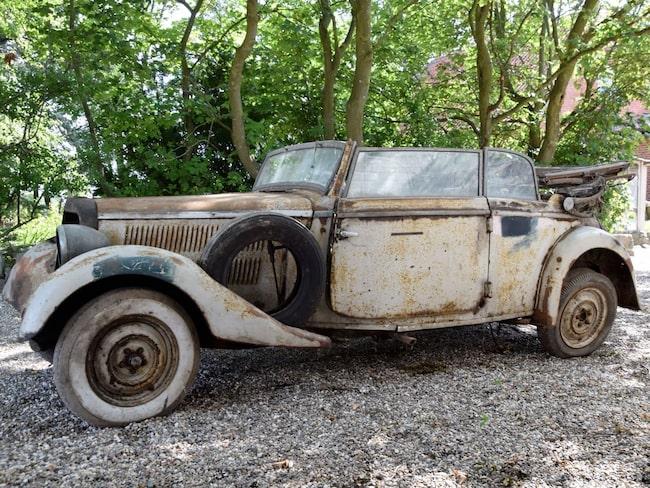 Den här Mercedes gömdes undan den tyska ockupationsmakten under andra världskriget.