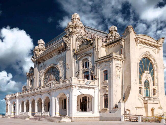 1914 höll kungafamiljen en glamorös galafest här.