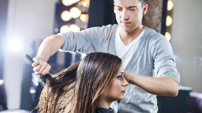 växer håret snabbare om man klipper topparna