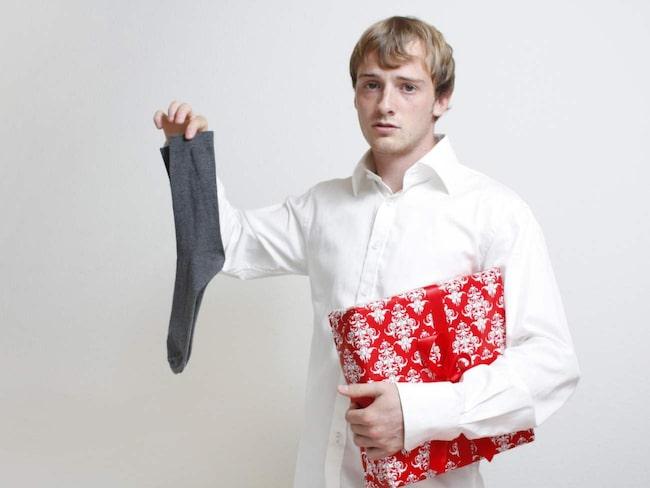 Det är inte bara okej, det är faktiskt riktigt smart att ge bort en julklapp man fått, om man inte vill ha den själv.