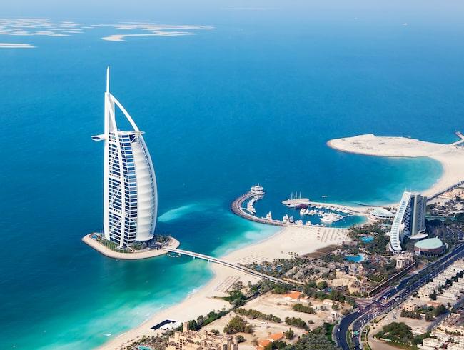 Det brittiska företaget Atkins, som tidigare byggt Burj Al Arab Hotel i Dubai, står bakom bygget.