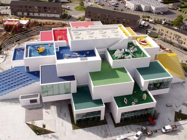Bygget av nya Lego House på Legoland i danska Billund har pågått i fyra år. Nu har det slagit upp dörrarna. Bläddra vidare för att se hur det ser ut på insidan!