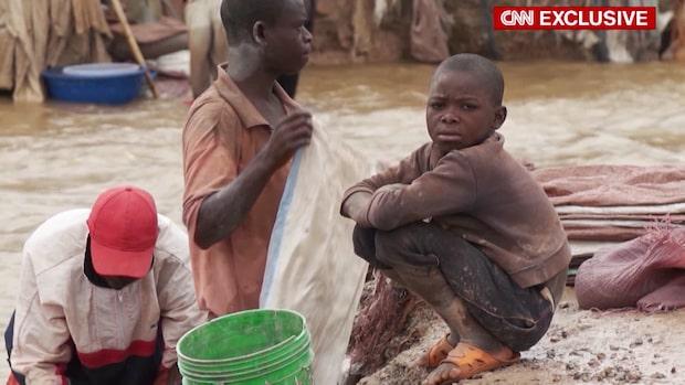 Barnarbete bakom elbilar och smarta mobiltelefoner