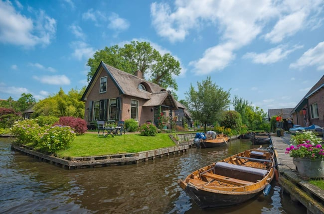 <span>Den lilla staden Giethoorn i Nederländerna har bara 2 600 invånare. </span>