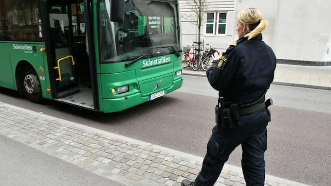 Kvinnan blev påkörd av en buss vid Triangeln i Malmö på torsdagseftermiddagen. Foto: Mikael Nilsson