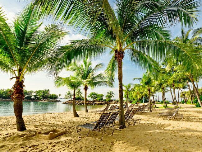 På populära ön Sentosa Island utanför Singapore finns det mesta i nöjesväg för hela familjen.