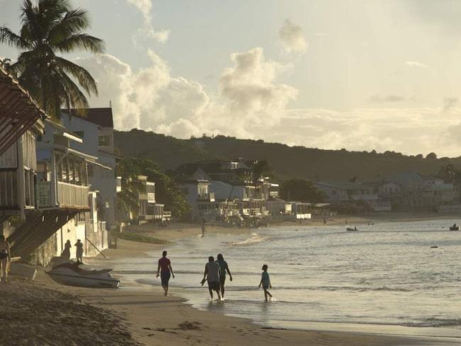Grand Case (uttalas Grand Kass), ett litet samhälle på franska delen av ön där det ska finnas 40 restauranger. Eller 67, beroende på vem man frågar...