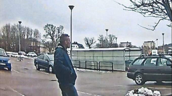 Daniel Knoblauch fångades på bild av en övervakningskamera i samband med dådet. Foto: POLISEN