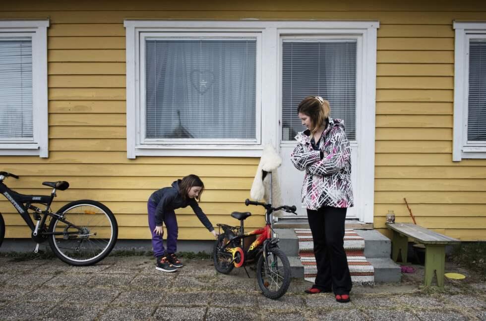 Sexåriga Lisas cykel som hon fått i födelsedagspresent förstördes en kväll. Foto: Anna-Karin Nilsson/Expressen