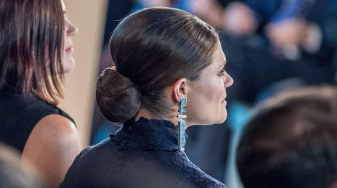 Här ser man de örhängen som Victoria bar på H&M-galan. Men de ser inte ut som de som kommer att finnas i butik. Foto: Pelle T Nilsson/AOP-IBL