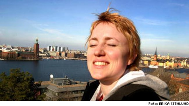 Sara Frisk, 24, tog chansen att njuta av vårsolen över Stockholm.