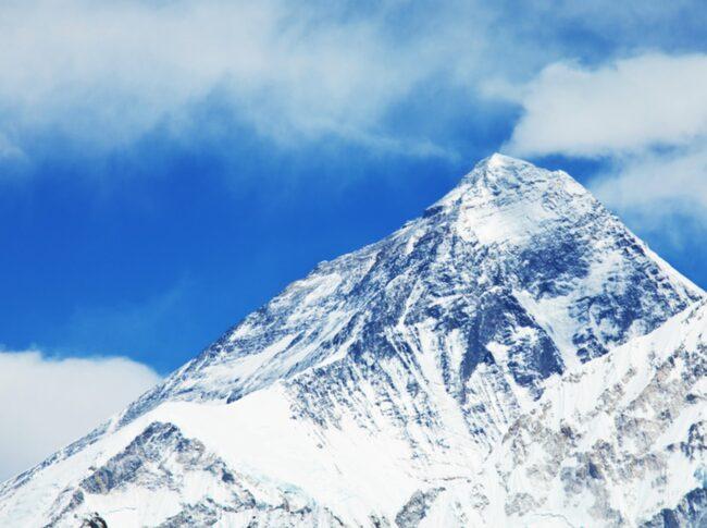 <span>Skyltar kring Mount Everest blev så illa nerklottrade av kineser att de inte gick att läsa till slut.</span>
