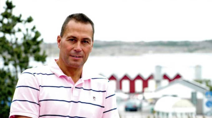 """Arne Lernhag, 60, kommunstyrelsens ordförande på Öckerö hävdar att flera av de utköpta cheferna haft arbetsplikt under uppsägningstiden. Men i alla uppsägningsavtal står att """"arbetstagaren är arbetsbefriad utan inskränkning av avlöningsförmånerna""""."""