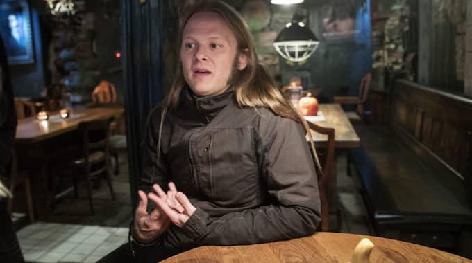 """""""Skräck förändras med samhället och är en spegling av de rädslor som finns"""", säger Herman Geijer, författare och zombieöverlevnadsexpert. Foto: Anders Ylander"""