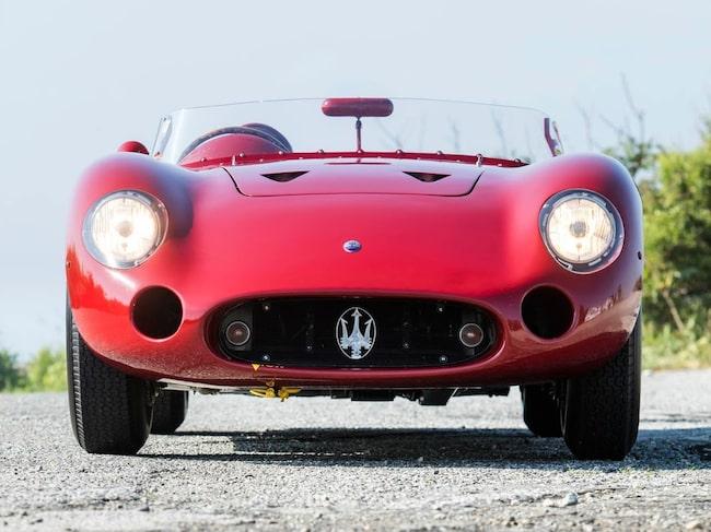 Juan Manuel Fangio vann två lopp med sin Maserati 300 S från 1956.