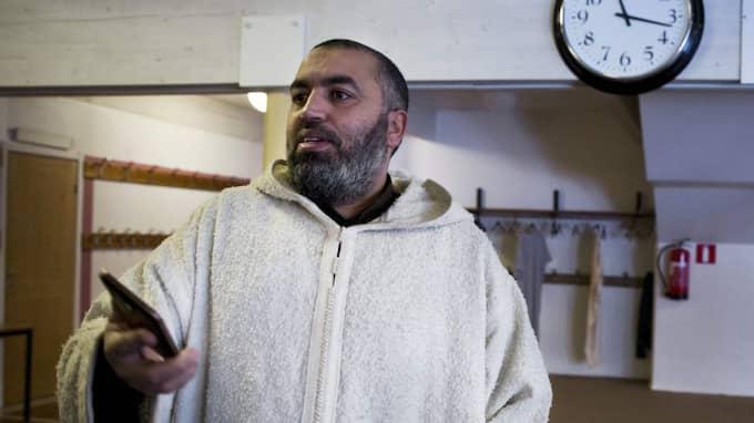 """En samhällsfråga. """"De radikala vi pratar om är svenska medborgare, flera födda i Sverige. Så det är främst en fråga för samhället, inte för moskén"""", säger Jamal Lamhamdi. Foto: Lisa Mattisson"""