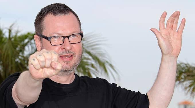 """Lars von Triers kommande film heter """"Nymfomanen"""". Den kommer att göras i två versioner: en med explicita, hårdpornografiska sexscener och en mjukare version."""