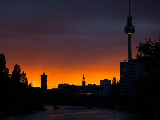 Berlins skyline med det 368 meter höga tv-tornet.