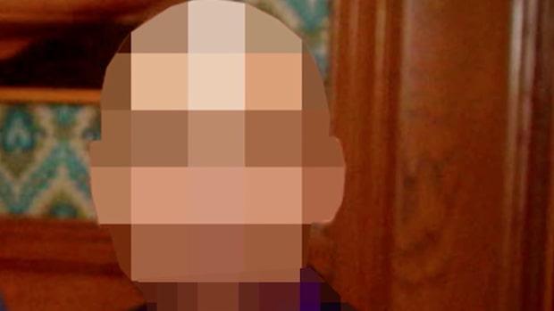 Skar halsen av sin fru - döms till sex års fängelse