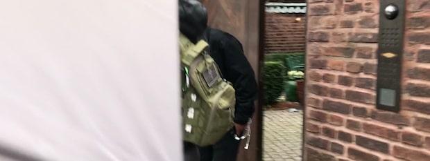 Här lämnar ASAP Rocky hotellet – duckar frågorna