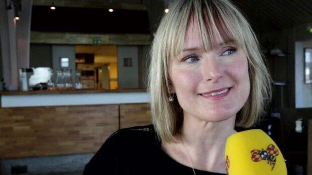 """CajsaStina om låten """"Är lite förrädisk"""""""