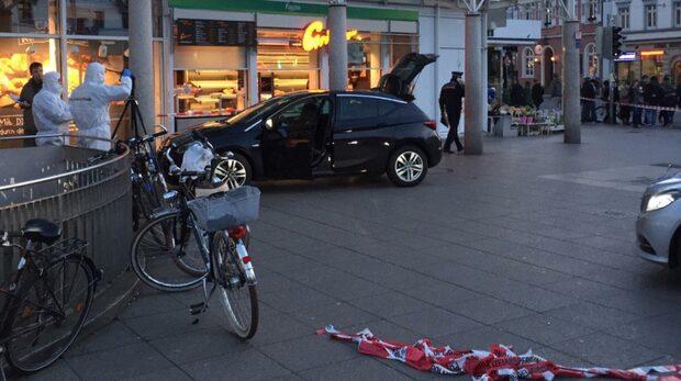 Se när tyska polisen skjuter föraren